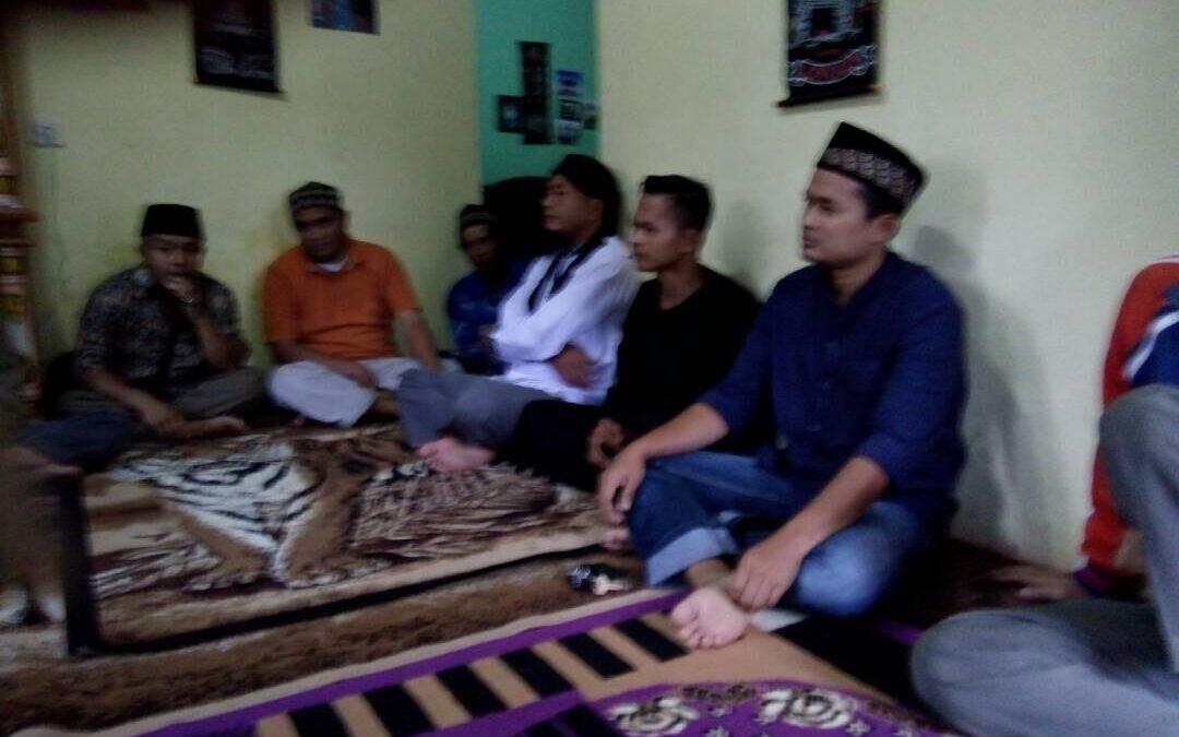 Buka Bersama Pemdes Palasarigirang Bersama Masyarakat di Kampung Pojok