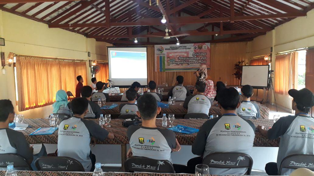 Dirut BUM Desa Tirta Jaya Sehati Berbagi Kisah Sukses Pada Pelatihan BKAD Parungkuda