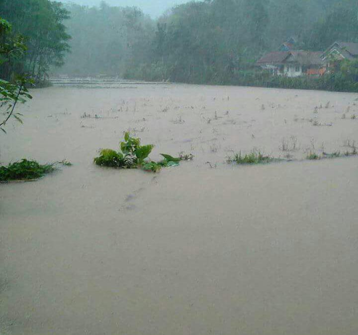Sungai Meluap Cidolog Siaga 1