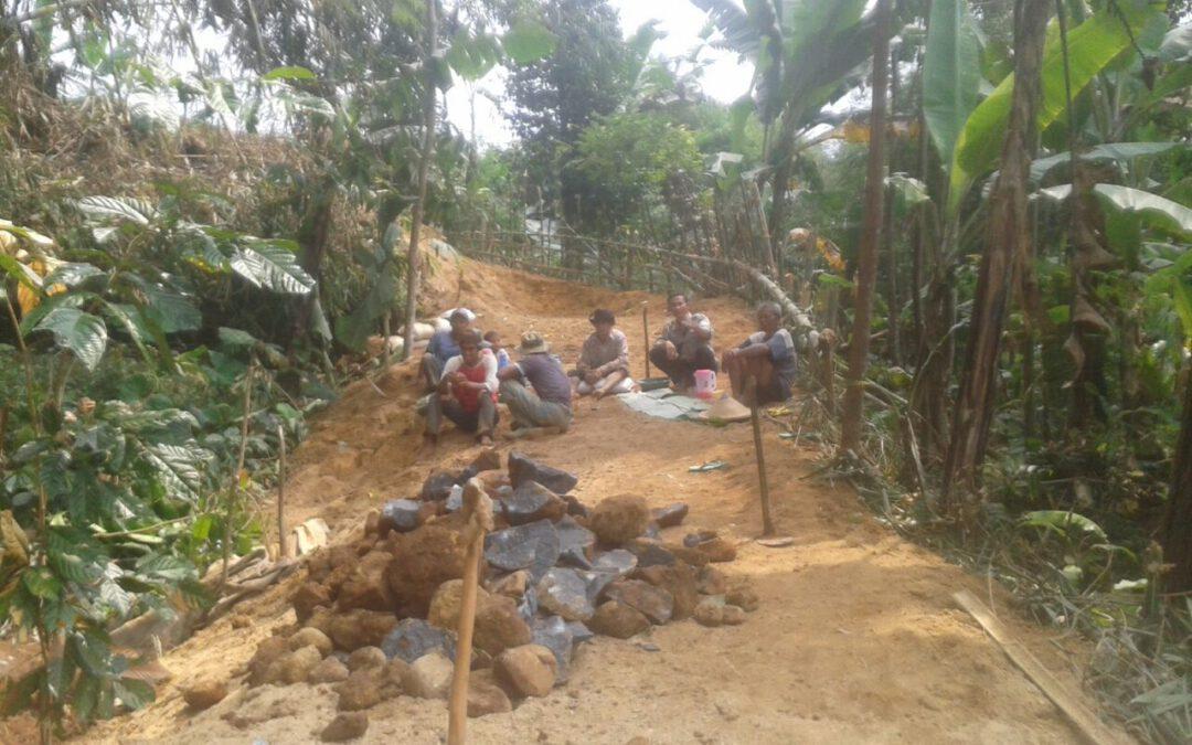 Desa Lebaksari : Pembukaan Akses Jalan Baru, Antusias warga adanya Dana Desa